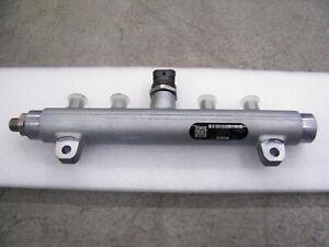 04.5-05 Duramax LLY High Pressure Fuel Injector Rail Chevy Duramax RIGHT SIDE