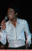 MICHAEL JACKSON 1984 SINGINGnSWEATING 1xRARE PHOTO