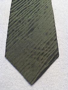 BANANA REPUBLIC MENS TIE  GREEN TEXTURED SILK 3.75 X 59
