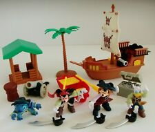 Disney Pirates Of The Caribbean Mickey Mouse Playset with Figures