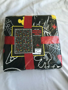 Disney Parks Mickey and Minnie Print Throw Blanket Black New in Bag