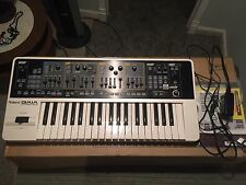 Roland GAIA SH-01 Synthesizer w/ Sound Designer Software, Manual & Power Supply