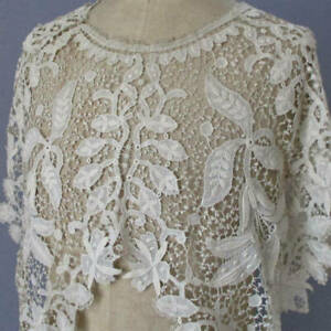 Antique Creamy Ornate SCHIFFLI Embroidered Scalloped LACE Collar LILIES Flowers