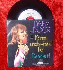 Single Daisy Door: Komm und wir sind frei