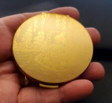 VNTG Stratton Round Goldtone Metal Compact Made In England (W57)