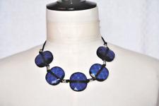 """collier composé de grosses """"pastilles"""" (résine) taillées - bleues - neuf"""