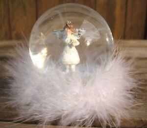 """Zauberhafte kleine Schneekugel """"Engel 2"""" Weihnachten Advent Deko Landhaus Feder"""