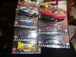 Hot Wheels - Boulevard - #24 - Volkswagen Drag Bus Moon Eyes w/4 other cars set