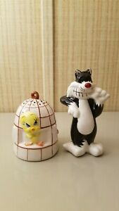 SYLVESTER and TWEETY BIRD SALT and PEPPER SHAKERS - WARNER BROS. 1997