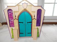 Monster High School Portable Fold Up Playhouse + Accessories Playset