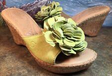 BORN wedge Cork Sandal Heel Green Flower Open Toe Size 8M Born Hand Crafted EUC