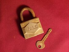 Vintage Yale Lock Co Padlock w/ Key Old Lock Gate Shed Chest Chain Door