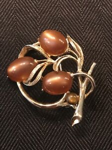 Vintage Lisner Gold Metal Pin With Brown Thermoset Cabochons