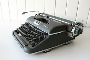 Olympia Typewriter ~ German Made ***** Working Condition *****