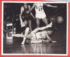 3/27/1948  ABL DENVER NUGGETS  VS  OAKLAND BITTNERS  AT MSG  8 X 10  GLOSSY