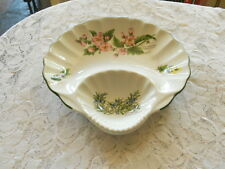 Worcester Herbs Scalloped Shell Shape Chip And Diip~Snack And Dip Bowl