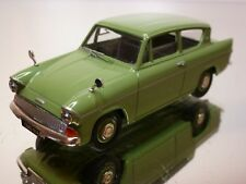 VANGUARDS FORD ANGLIA - GREEN 1:43 - EXCELLENT - 1