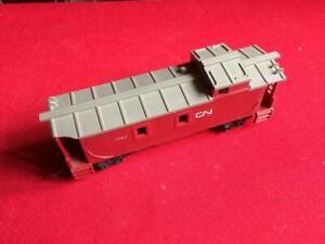 00/H0 Tri-ang Model Railway CN Goods Wagon