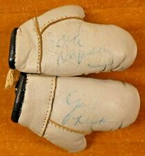 Jack Dempsey Heavyweight Boxing Champion Signed 1940's Mini Boxing Gloves