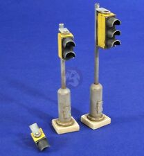 Verlinden 1/35 Traffic Lights (3 different types) [Resin Diorama Accessory] 2826