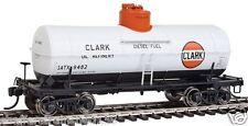 Walthers # 100513  10,000-Gallon Tank Car Clark Oil GATX # 9482  HO Scale MIB