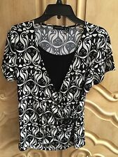 Notations Black & White Short Sleeve Top with Beaded Fastner NWOT Size Medium