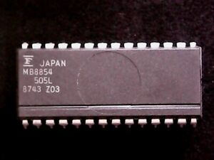 MB8854 - Fujitsu CMOS Single-Chip 4-Bit Microcomputer (DIP-28)