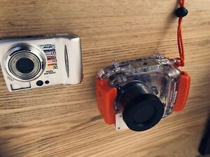 Nikon Coolpix 5200 With Waterproof Housing Ex