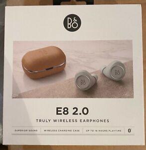 BANG & OLUFSEN BEOPLAY E8 2.O TRULY WIRELESS  EARPHONES HEADPHONES - NATURAL