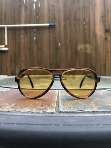 Vintage Bausch & Lomb Ray Ban Vagabond Ambermatic Tortoise Sunglasses 1970s