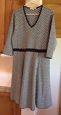 Boden size 14 R knit chevron dress black and white 3/4 sleeved V neck