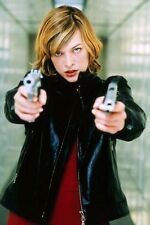 Milla Jovovich As Alice In Resident Evil 11x17 Mini Poster