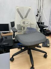 Herman Miller Sayl Task chair, Fully adjustable    Dark grey seat, White Back
