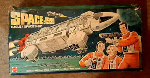 Space 1999 Eagle toy 1976. box.