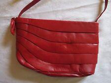 Adorable sac Valentino Garavani, Cuir rouge intérieur cuir  TBE  Luxuous Handbag