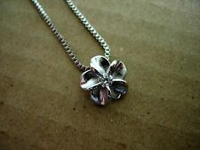 "Pretty Silver Dainty Flower Pendant Necklace - 18"" Chain"