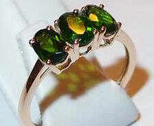 Green Diopside 3-stone/Trilogy Ring, 1.50ct, in 9k Yellow Gold. Size O.