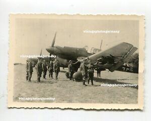 K156 Foto deutsches Flugzeug Junkers Ju87 Ju 87 Stuka Kennung ID Bomben