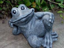 Steinfigur Tierfigur Frosch sitzend Anthrazit