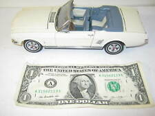 Danbury Mint-1966 White Ford Mustang Convertible 1/24 Scale Die-Cast Car