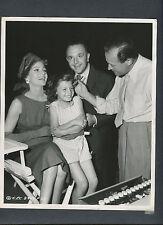 RITA HAYWORTH + DAUGHTER BETWEEN TAKES ON  SET OF PAL JOEY 1957 - CANDID MAKEUP
