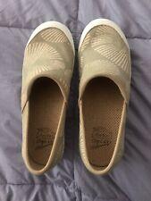 Womens 7.5 8 38 Dansko Vegan Clogs Comfort Tan Shoes Slip On Wedge