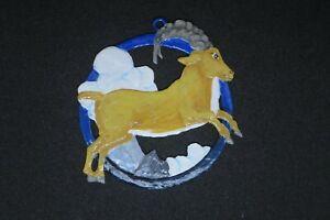 """Bemalte Zinnfigur """"Horoskop Steinbock"""" Hängefigur"""