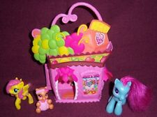 My Little Pony Grocery Store Playset + 3 Ponies - 2008