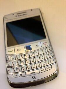 BlackBerry Bold 9780 - White  (Unlocked ) Smartphone