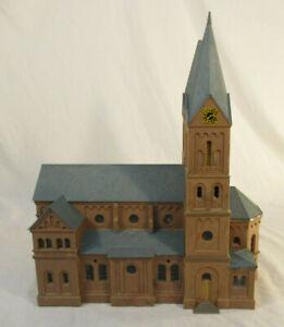 HO Scale Kibri Cathedral - plastic - built-up