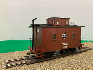 3 Bachmann On30 Freight Cars with C&S Bobber Caboose.