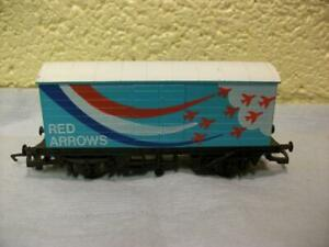 LWB Support Van 'Red Arrows' Hornby No R.145 '00', Light Use, 1984-88 Issue