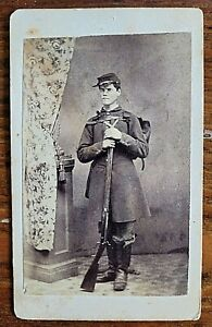 Antique CDV Photo Civil War Soldier in Uniform w/ Rifle & Backpack~Cazenovia NY