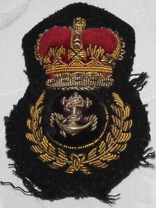 VINTAGE ROYAL NAVY PETTY OFFICERS BRITISH MILITARY NAVAL CAP BADGE - BULLION